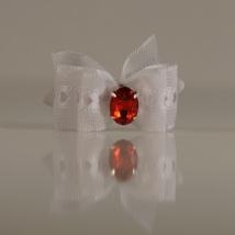 1 Bow White w.Red stone