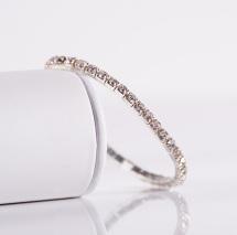 Fancy elastic single-row collar w. rainstones