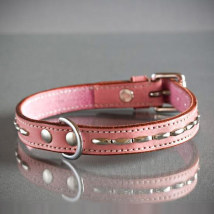 PINK COLLAR W SOFT RIVETS