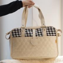 Bag Creme w dogtooth pattern