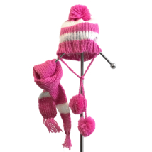 Knitted hat with Scarf Pink