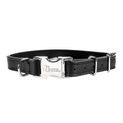 Adjust. Black Leather collar w. Snap Buckle