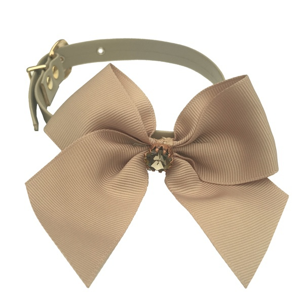 Elegantis Beige Collar w Bow & Big Diamond