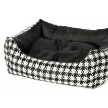 Bed w Dogtooth Pattern - Black/White