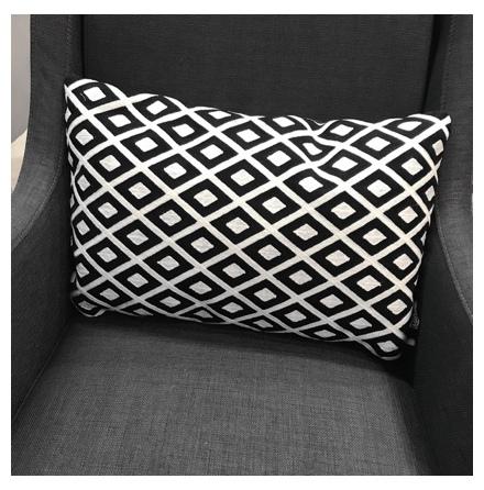 Toulouse Cushion - Black/White 50x30cm