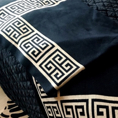 Monaco Thick Throw  - Black/Beige 150x125cm