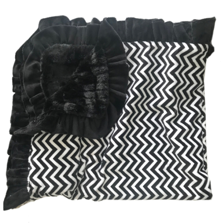 Lux Cuddle Blanket - Chevron Black/White